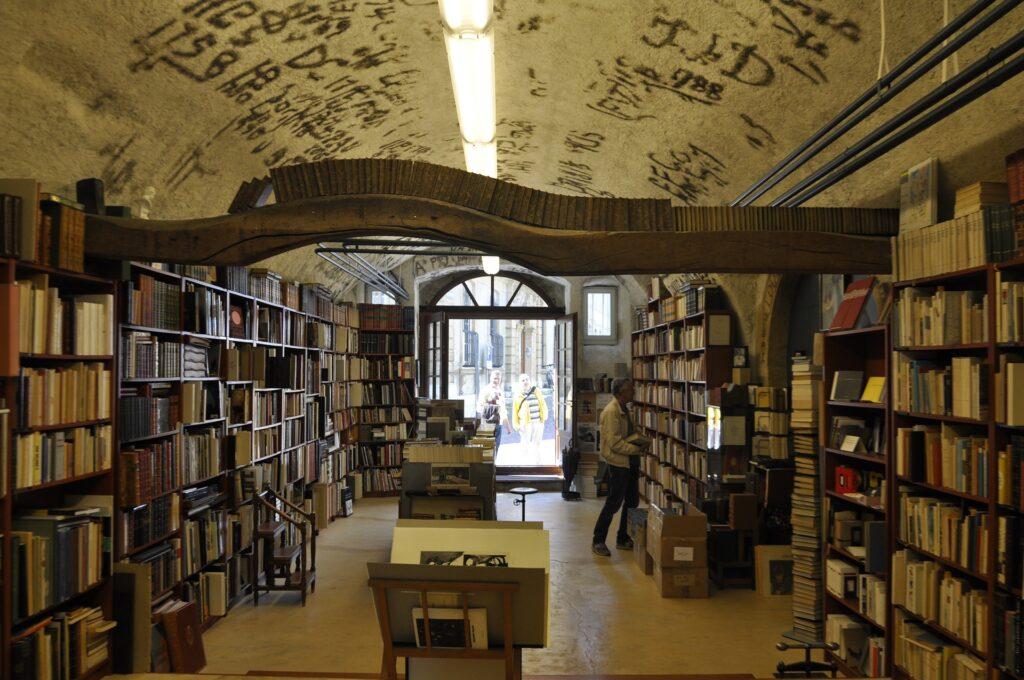 本はどこで買うのがいいの?